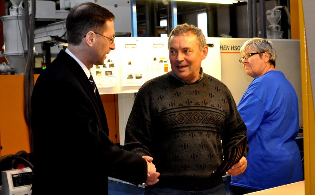 Varga Mihály nemzetgazdasági miniszter a sajtótájékoztatót megelőzően rövid gyárlátogatáson vett részt (Fotó: Klementina Press)